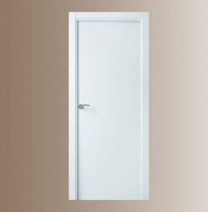 puerta blanca lisa