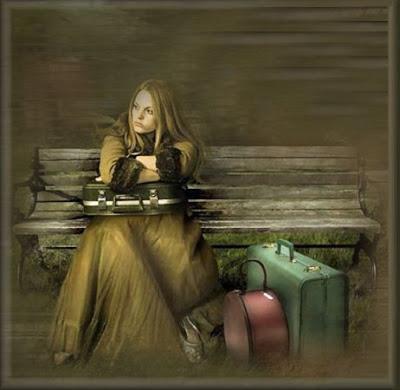 mujer con equipaje