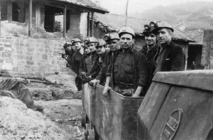 tren-de-mina-para-personal-1966